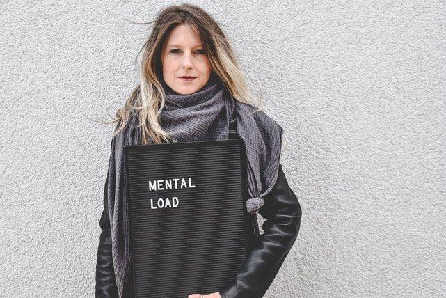 """LauraC - """"Nein, Mama ist eben NICHT immer das Mädchen für alles"""", findet Laura Fröhlich - Was Eltern gewinnen, wenn sie den Mental Load teilen, das erzählt Journalistin und Autorin Laura Fröhlich in ihrem neuen Buch."""