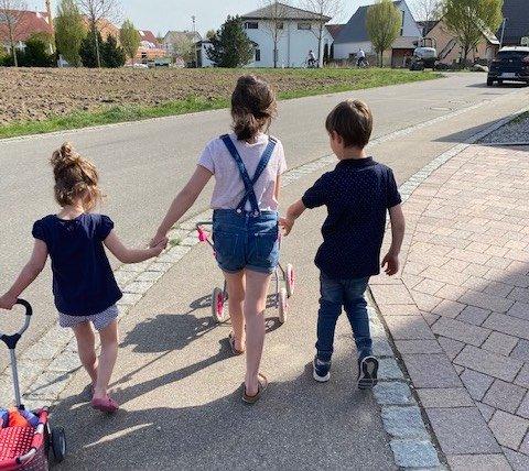 image0 Fotor - Frühkindlicher Autismus: Unser drittes Kind hat unser Familienleben auf den Kopf gestellt - Früh merkte Marisa, dass ihr drittes Kind anders ist.... Doch bis zur Diagnose dauerte es eine lange Zeit.