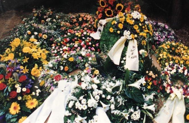 BeerdigungCousin 665x435 - 25 Jahre ohne dich - Lisa denkt zurück an ihren Cousin, der starb, als sie beide 13 Jahre alt waren. Ein Text voller Wärme, Erinnerungen und Liebe.